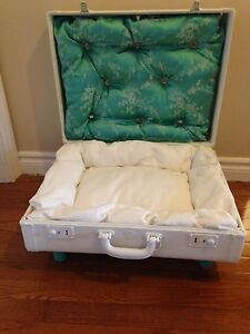 Suitcase cat bed / small dog bed