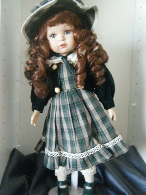 "Seymour Mann Collectible Doll ~ Green/white Plaid Dress - 14"" Very Nice! LOOK!!!"