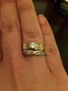 REDUCED TO SELL FAST!!!! Engagement Ring and wedding band set