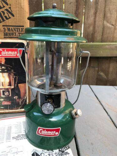 10 1978 Vintage Coleman Green 220J Double Mantel Lantern