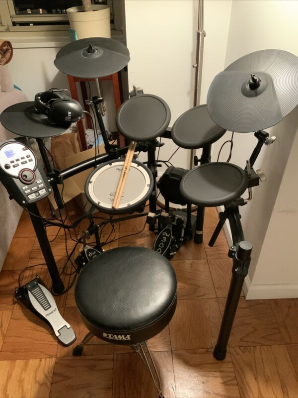 Roland TD-11. V-Drums - Lightly Used