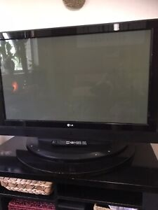 42 inch LG TV.