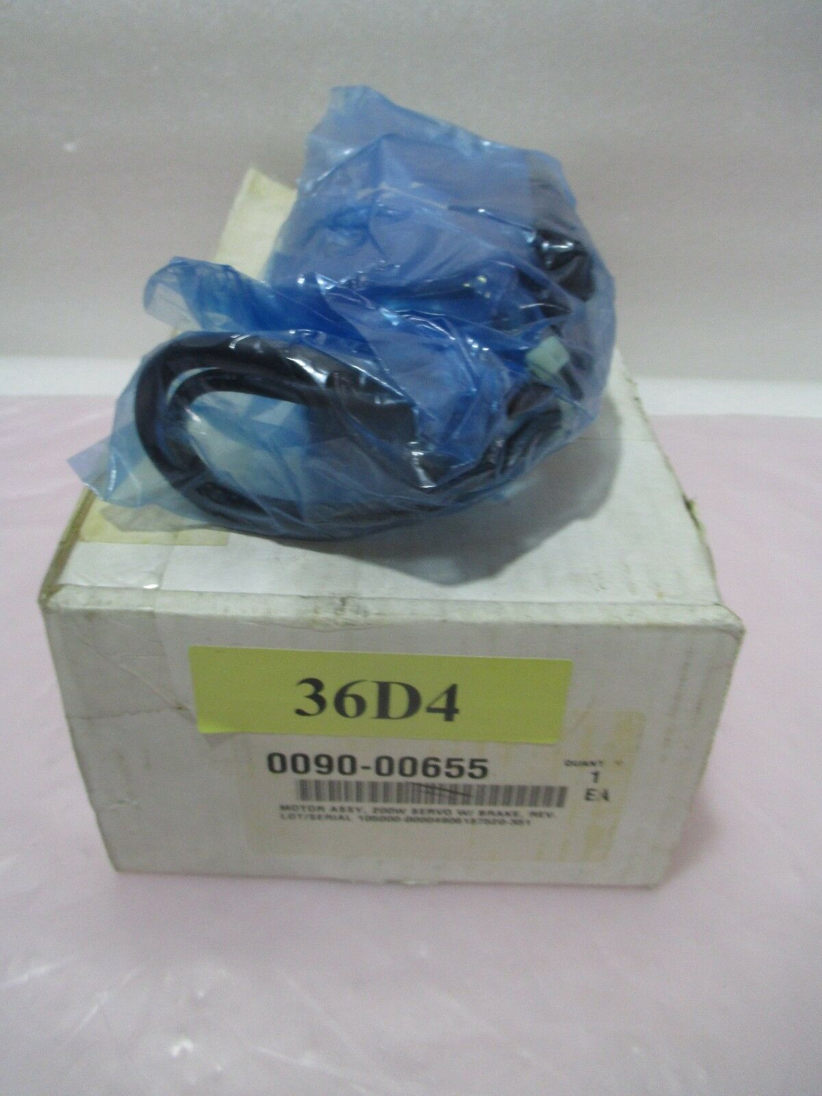 AMAT 0090-00655 Motor Assembly, 200w, Servo W/ Brake, Sanyo Denki, 421899