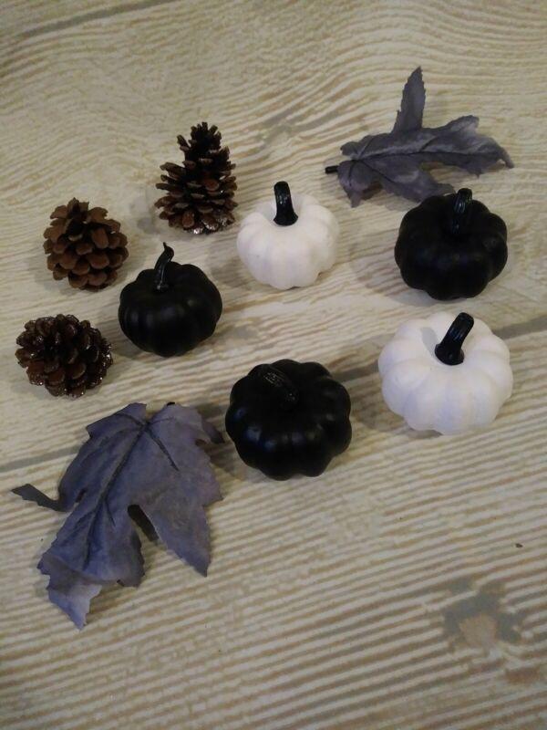 New Set of HALLOWEEN Pumpkins Pinecones Leaves Tabletop Decor Vase Filler