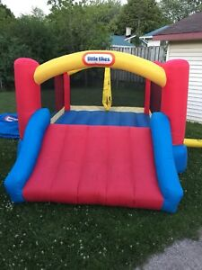 Bouncy house for rent 50$ jeu gonflable à louer
