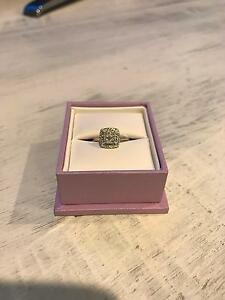 Michael Hill 10ct White Gold Diamond Ring Glenmore Park Penrith Area Preview