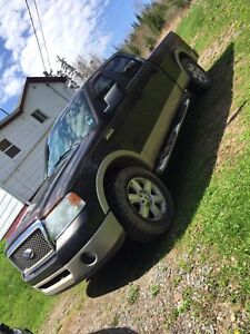 07 ford lariat crew cab 4x4 needs nothing