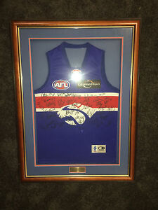 Signed and framed bulldogs jersey Ellenbrook Swan Area Preview