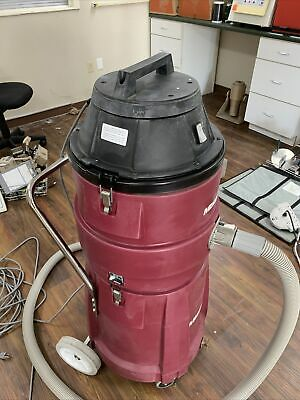 Minuteman 15 Gallon Vacuum