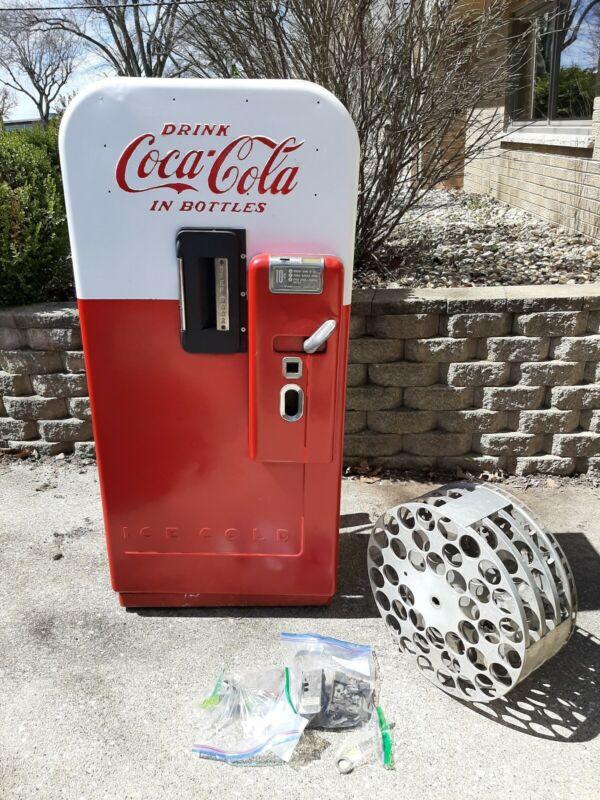 Vintage Coca-Cola Vendo 39 Round Top. Ready for Restoration!