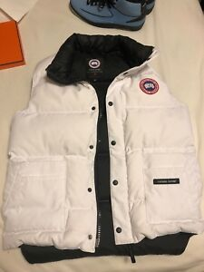 Canada goose vest, Men's Small White