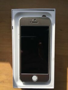 iPhone 5s (32GB) for sale.