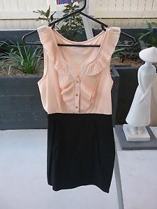 WARDROBE CLEAR OUT   Paper Scissors Dresses Heathwood Brisbane South West Preview