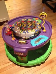 Baby saucer play station
