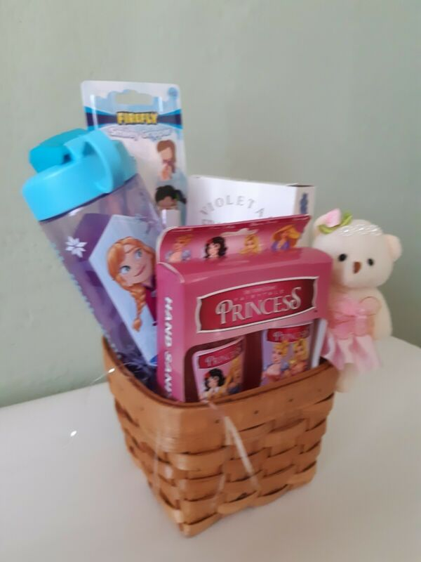 GIFT BASKET FOR GIRL, 5 Pieces