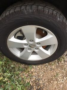 "17"" rims with winter tires 5 bolt ( Dodge Journey)"