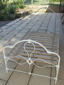 White king single slat bed - excellent condition Berrima Bowral Area Preview