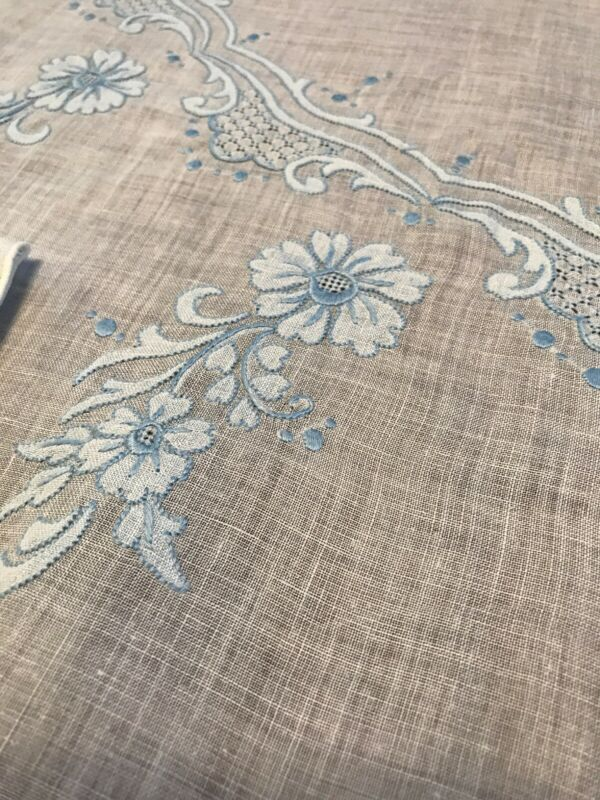 "VTG Madeira Blue Floral Hand Embroidery Oval Tablecloth 86""x 70"" and 6 Napkins"