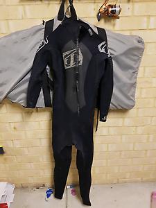 3/2mm Jetpilot wetsuit (Medium) Secret Harbour Rockingham Area Preview