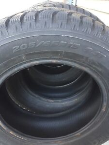 Hankook Snow Tires 205/65R15 94T