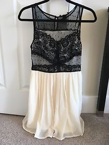Forever 21 size small brand-new dress