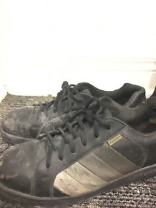 Men's size 10.5 STEEL TOE SHOES - workplace CSA approved
