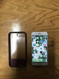 MINT CONDITION 64GB IPHONE 8 PLUS (SILVER)