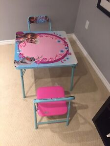 Kids frozen table and chairs