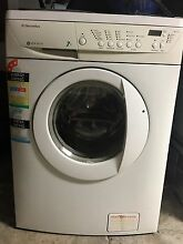 VERY LARGE 7KG ELECTROLUX WASHING MACHINE Southport Gold Coast City Preview