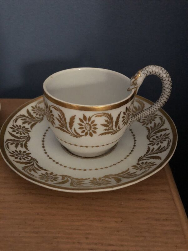 Rare Meissen  Pair Cups and Saucers Hand Painted circa 1790-1800