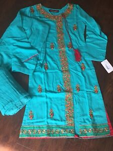 Indian/Pakistani dress ( Size: S , Condition: New with Tags )