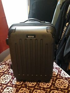 Kenneth Cole  Reaction Rolling Hard Shell Carry-On