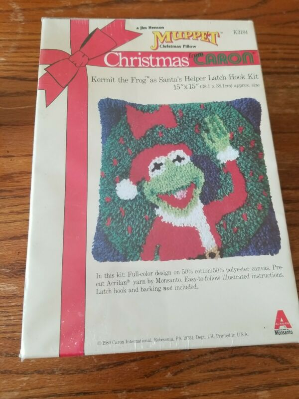 "VINTAGE 1980 NEW SEALED CARON LATCH HOOK KIT Kermit Muppet Christmas Pillow 15"""