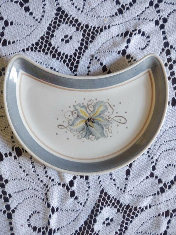 Susie Cooper, Burslem, Very Rare Crescent Shape Plate/Dish