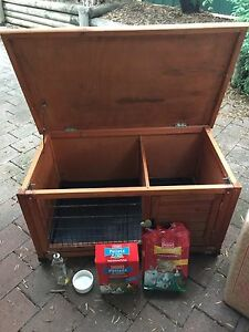 Rabbit / Guinea pig hutch Windsor Hawkesbury Area Preview