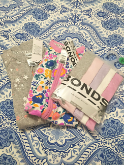 Bonds size 000 5 packet singlets and x2 zip Wondersuits! BNWTs!!!