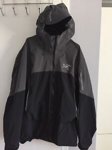 28039323 Arcteryx M | Kijiji - Buy, Sell & Save with Canada's #1 Local ...
