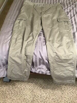 Nautica Men's Classic Fit KHAKI Cargo Pants 38X32 pre-owned