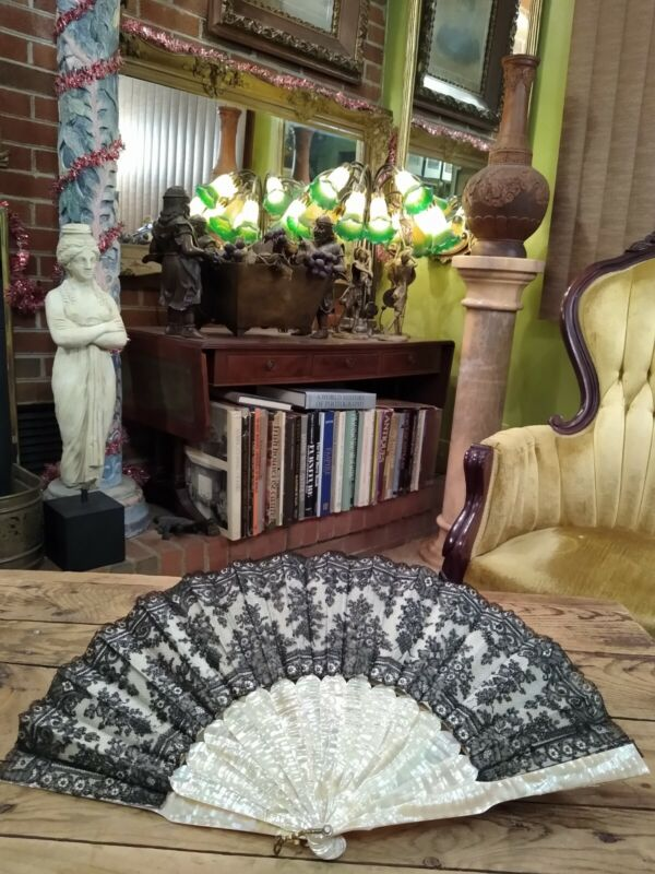 ANTIQUE J. DUVELLEROY LACE MOTHER OF PEARL FAN WITH ORIGINAL BOX