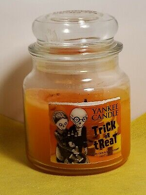 YANKEE CANDLE TRICK OR TREAT CANDY CORN & BUTTERCREAM SWIRL HOLOGRAPHIC LABEL 12