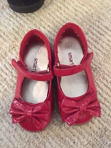 Girls Christmas shoes size 5