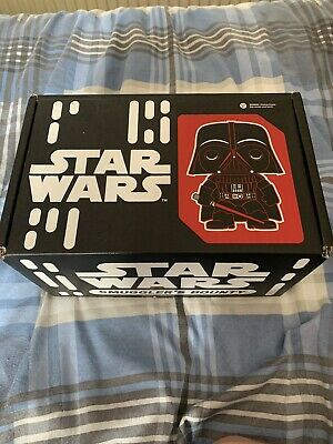 Star Wars Smuggler's Bounty Box Inlcuding Funko POP!'s 158 & 159