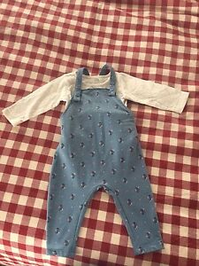 NEVER WORN 6-12 month