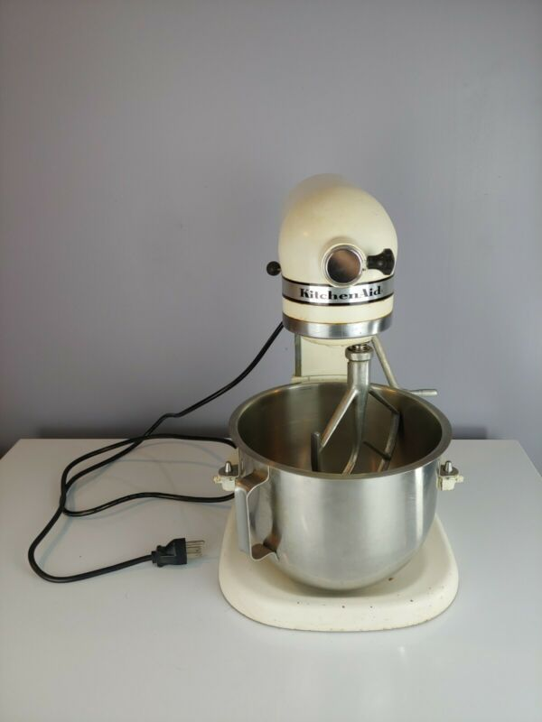 Vintage Hobart Kitchen Aid K5-A 5 Quart 10 Speed Mixer with Attachment & Bowl
