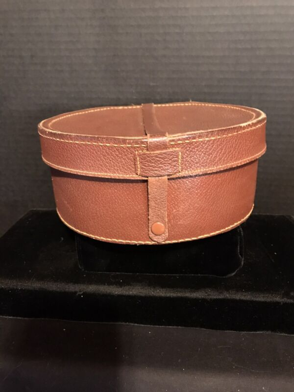 VINTAGE COLLAR BOX-LEATHER-INTACT CLOSURE-GREAT CONDITION!
