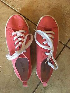 Women's shoes/runners