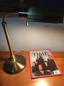 Accounting style gold desk lamp
