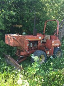 Ditch Witch 5110 trencher