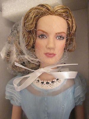 Alice Kingsley Kingsleigh Tonner Disney Doll NRFB in Wonderland Mia Wasikowska
