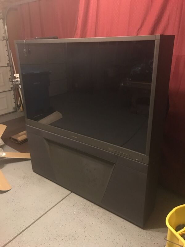 "61"" Mitsubishi hd tv"